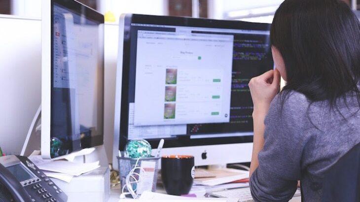事務からエンジニア転職のメリットとは?転職する方法と必要な資格を解説!
