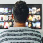 テレビが大きすぎは後悔する?しない?後悔しないおすすめの大きいテレビ3選