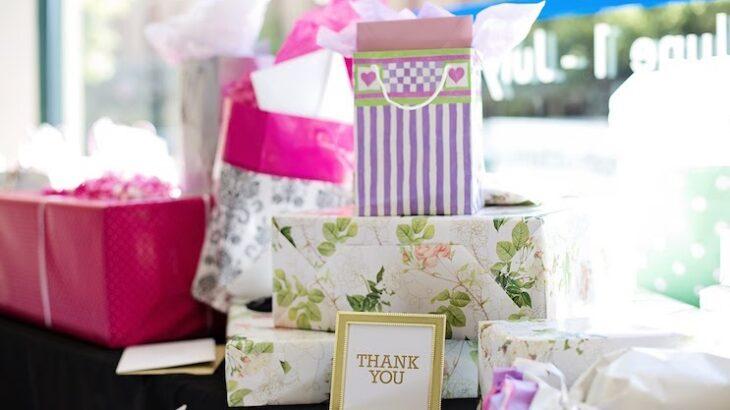 女友達に贈りたい変わった誕生日プレゼント9選!食べ物・美容・家電からおすすめ紹介!