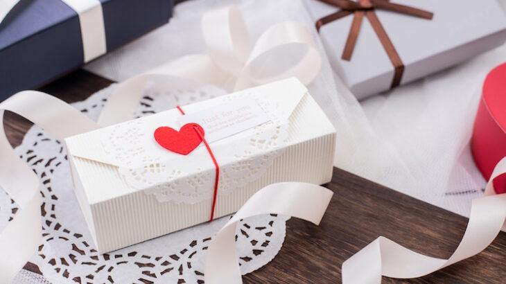 【予算1000円】女性に贈るセンスのいいプレゼント9選!食べ物・コスメ・ファッション小物から紹介